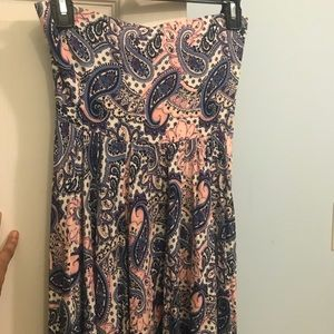 Express Dresses - Express Paisley strapless dress